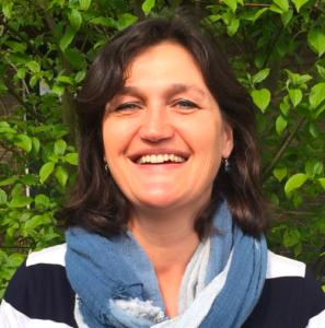 """<a href=""""https://www.trainingsbureauvoormindfulness.nl/het-bureau/janet-van-essen/"""">Janet van Essen</a>"""